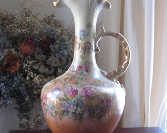 Beautiful Vintage Painted Floral Lamp with Gold Gilding - Newly Wired