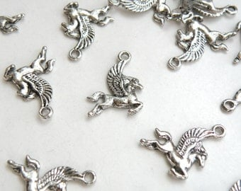 10 Winged Flying Horse Pegasus Charms antique silver 22x16mm DB16727