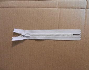 "White Molded Plastic Non seperating 7"" zipper"
