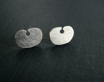 silver studs, small silver studs, Peruvian jewellery, sterling silver earrings, everyday earrings, stud earrings sterling silver
