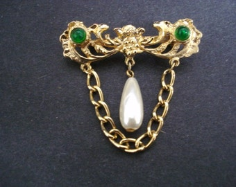 High Quality Vintage Bar Pin Brooch Gold Tone Chatelaine Style Pear Shape Pearl