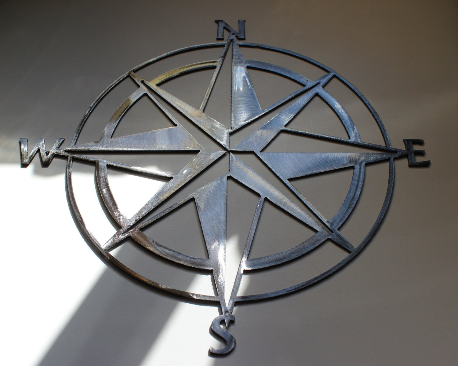 Nautical compass rose wall art metal decor by for Decoration jardin metal