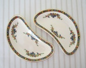 VINTAGE 1940s JOHNSON BROS bone dishes - set of 2