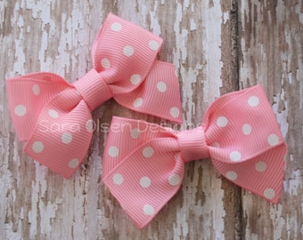 Petite Classic Hairbow, Set of 2, Light Pink White Polka Dot, Simple Bows, 2.5 Inch Hairbow, Hair Clip, Girls Hairbows, Pair of Bows