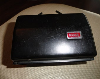 327)  Vintage Kodak Instamatic Hard Camera Case