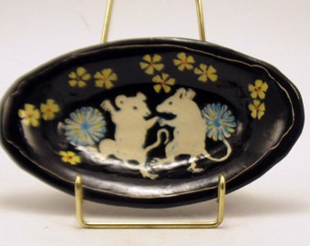 Handmade Art Pottery Dish DANCING MICE - SGRAFFITO Carved Tray Trinkets Jewelry Soap - Personalize Color Ceramic Art