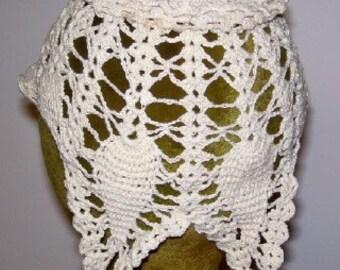 Vintage 1940s Crocheted Baby Bonnet