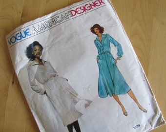 Uncut Vintage Vogue Sewing Pattern 1829 - Jerry Silverman - Size 12