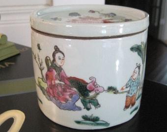 Jingdezhen porcelain drawing queen big pot, cricket pot