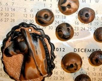Horse pendant bead set woodgrain polymer clay