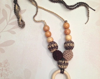Natural brown nursing necklace. Girls crochet necklace with juniper beads anr teething ring.