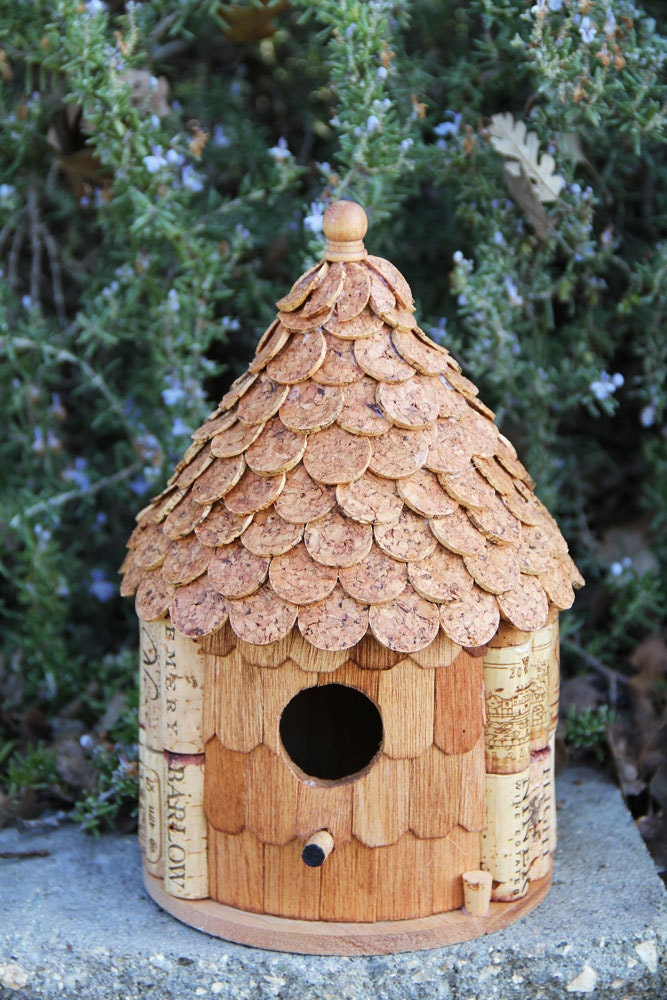 Roundhouse birdhouse wood and wine corks for How to build a birdhouse out of wine corks