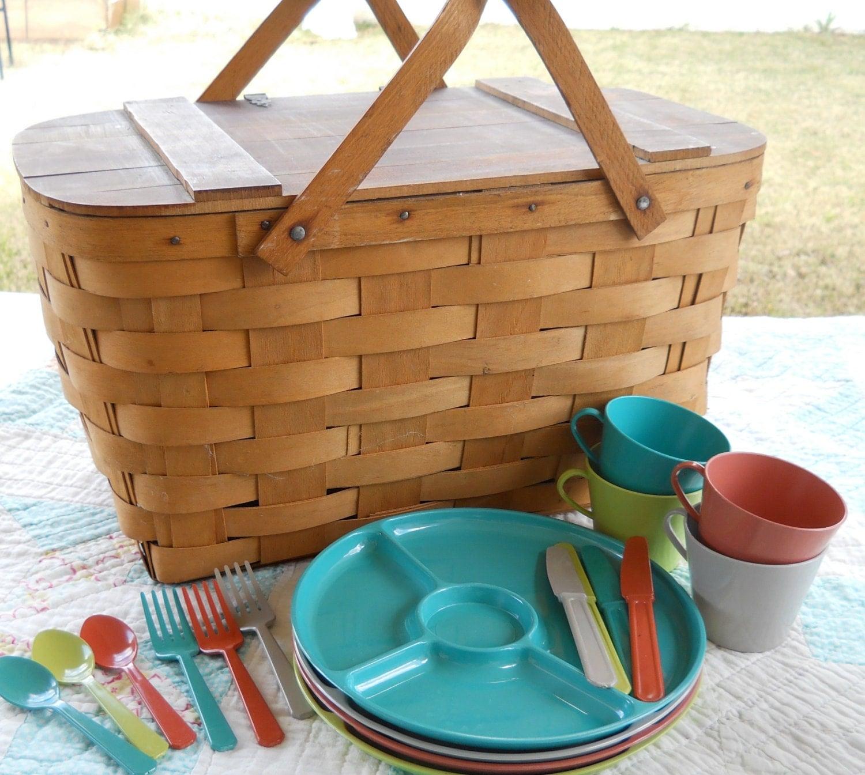 Red Plastic Picnic Basket : Vintage wooden picnic basket and plastic dishes