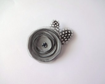 Gray Flower Brooch with Feathers