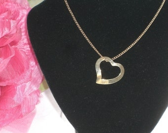 Pendant - Heart on Chain