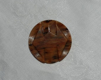 Bakelite Button...Carved