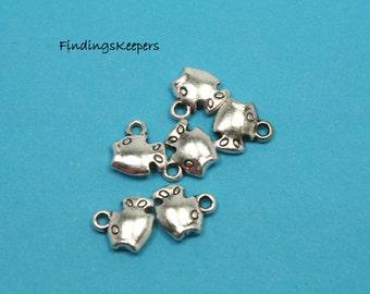 Fish charm, 6 Charms, Antique Silver Tone 11 x 10 mm - ts169