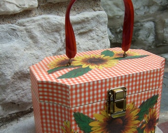 Whimsical Daisy Flower Gingham Box Bag c 1970