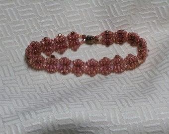 Peach tones beaded bracelet
