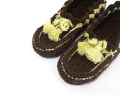 Brown handmade crochet slippers, Brown and yellow slippers, Thick house slippers- House shoes, Soft house slippers