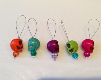 Skull knitting stitch markers