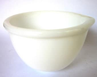 Vintage White Milk Glass Mixing Bowl, Pyrex / Fire King Style Batter Bowl for Stand Mixer