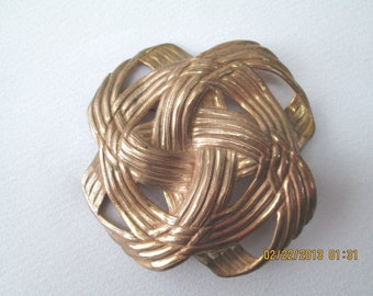 Miriam Haskell collectible large gold toned brooch 50s