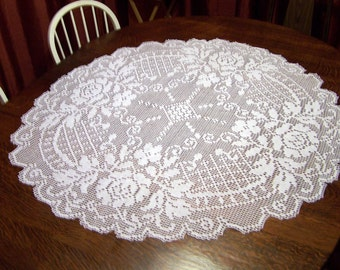 Handmade White Round Mini Tablecloth: English Rose