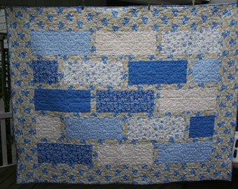 French Countryside Blue & Tan Twin Quilt