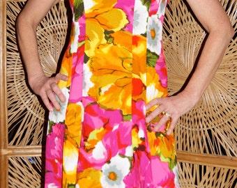 """1960's """"Made in Hawaii for KIMO'S POLYNESIAN SHOP""""  Hawaiian dress / muu muu"""