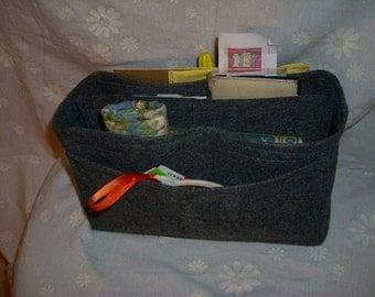 LV Purse insert \ Handbag organizer \ Purse organizer \ Felt Purse insert \ 9 pocket Insert \ Hard Bottom \ 12L 6H 4D