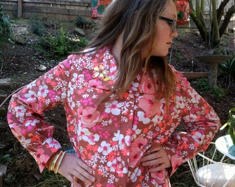 70s Show Flowered Shirt  - Separate Flower Pin - So Cute