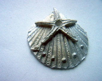 Vintage Sea Shell with Starfish Finding x 2    # S  3