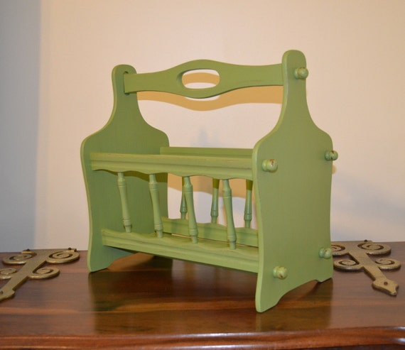shabby chic magazine rack green recycle upcycle. Black Bedroom Furniture Sets. Home Design Ideas