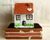 A tiny  house, for your shelf... - jenniseesart
