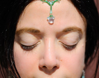 Priti 'love' 3rd Eye Crown