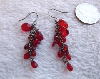 Vtg RETRO Pierced Earrings-Red Dangles-R1432