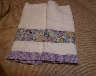 Fresh Spring Posies With Lavender Gingham Ruffle Decorative Hand Towels (Set of 2) Child Friendly