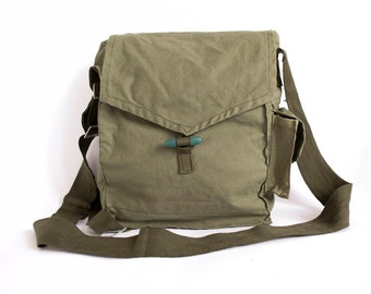 Army Bag 1970's Green Cotton Canvas Messenger Bag, Crossbody Bag, Vintage Military Bag, Army Surplus