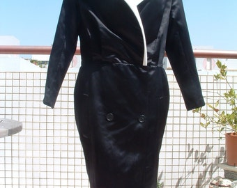 free shipping CHANEL black and white silk in dress like coat   with vampire  collar  made in UK circa 1970's  free shippingnever ware