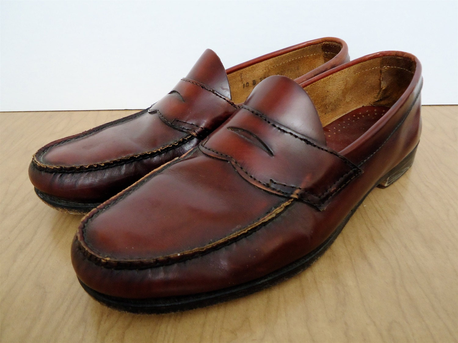 Bass Weejuns / oxblood penny loafers / vintage cordovan