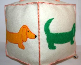 Jello'07 dachshund toy block