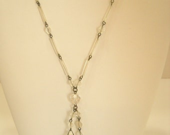 Vintage LUCITE & CRYSTAL PENDANT Necklace (3369)