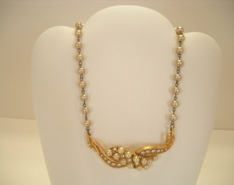 Vintage FAUX PEARL and RHINESTONE Choker Necklace (5423)
