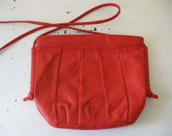 vintage. PURSE. cross body. LEATHER. bright. RED. 1980s. long strap.