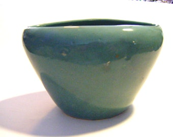 Gorgeous Antique Piece of Green Art Pottery From New England Estate Displays Beautifully