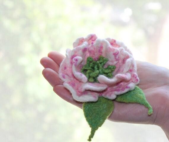 Felted flower brooch / Sakura / Flowers Blooming / white pink green flower / Felt Jewelry / Wool Flowers / Felted Brooch / Ready to ship
