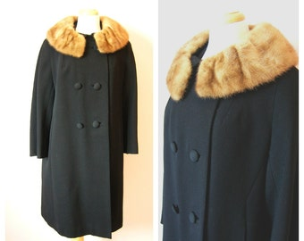 Vintage 1960s BLACK WOOL Coat with FUR Collar/ size Medium