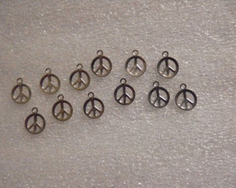 12 Vintage Silverplated 10mm peace Sign Charms