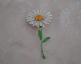 Estate Large Enamel White Daisy Flower  Brooch f'rom 60's.